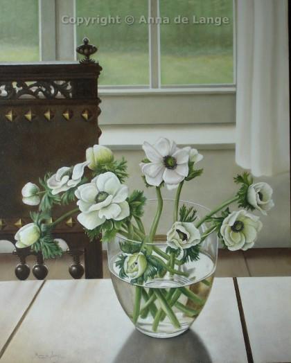interieur met anemonen